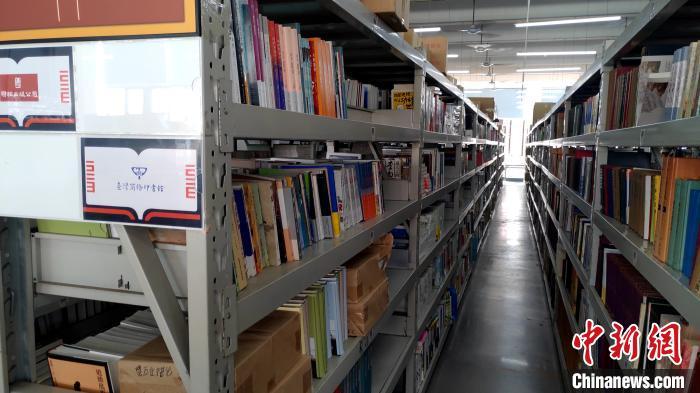 储书仓库。 杨伏山 摄