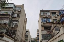 小区群租房存在安全隐患 相关部门检查整改